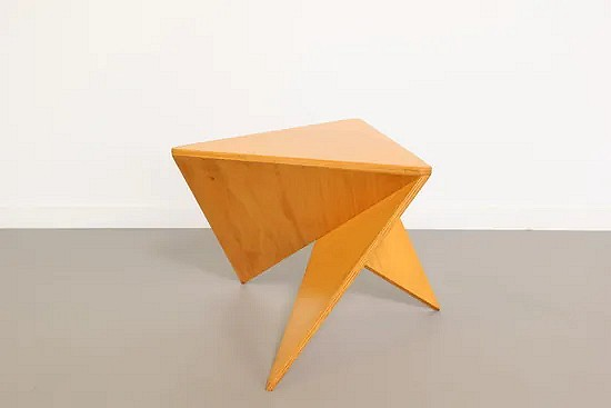 Geometric plywood side table - Ronald Willemsen