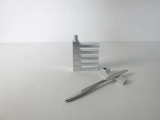 Aluminum knife rests  - Pierre Vandel