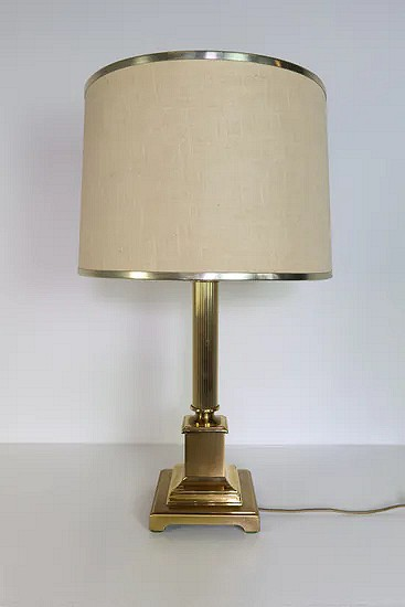 Brass Hollywood Regency tole table lamp