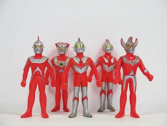 Ultraman dolls - Bandai